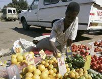 Цены на продукты на местных рынках исчисляются в миллионах долларов.