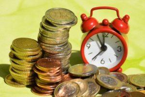 Что делает с деньгами время?